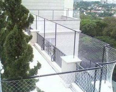 Telas de Proteção e Alambrados para Quadras Esportivas, Escolas, Piscinas